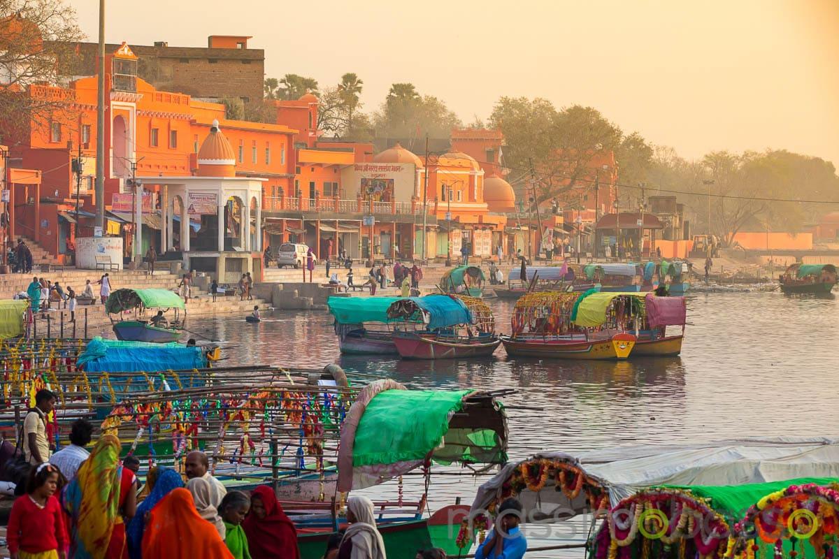ghats sulle rive dello Yamuna a chitrakoot - i luoghi sacri dell'induismo - Massimo Basso _