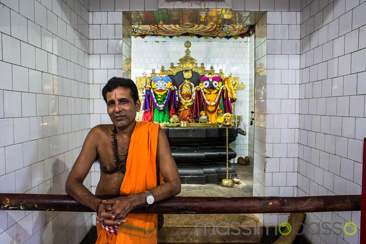 i luoghi sacri dell'induismo - interno di un tempio