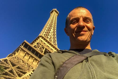 Las Vegas: sposarsi nel 2019 con lo sfondo della Tour Eiffel
