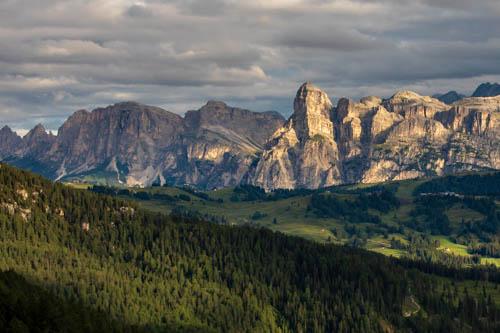 Escursione in alta quota nelle Dolomiti Alta Badia