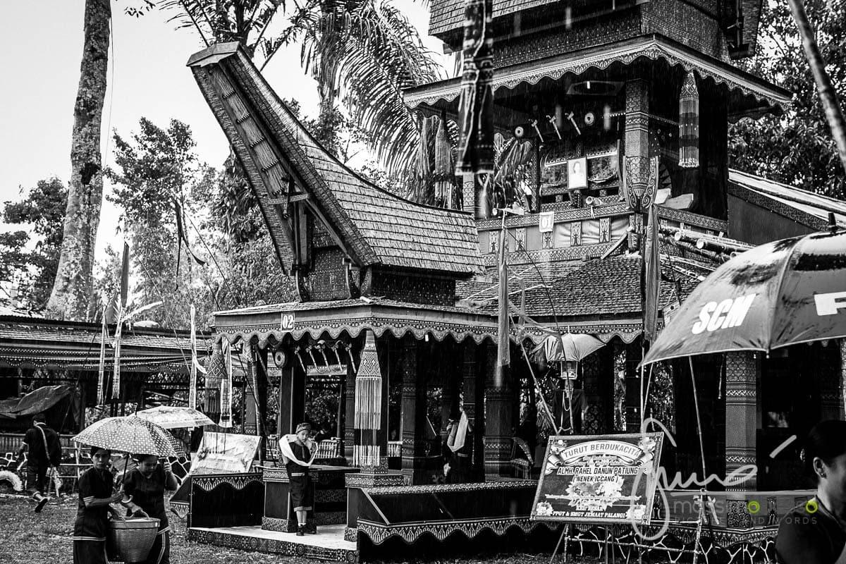 Culto dei morti a Toraja, funerale a Tana Toraja