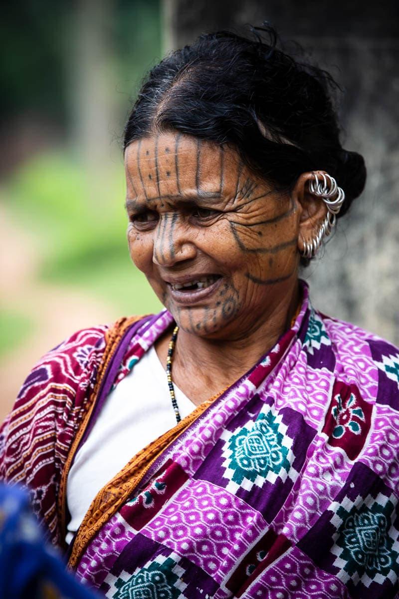 Kutia Kondh spiriti-tigre e donne tatuate in Orissa