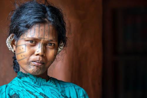 Kutia Kondh: spiriti-tigre e donne tatuate