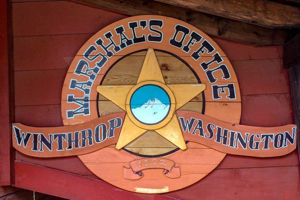 Visitate a Winthrop l'ufficio dello sceriffo