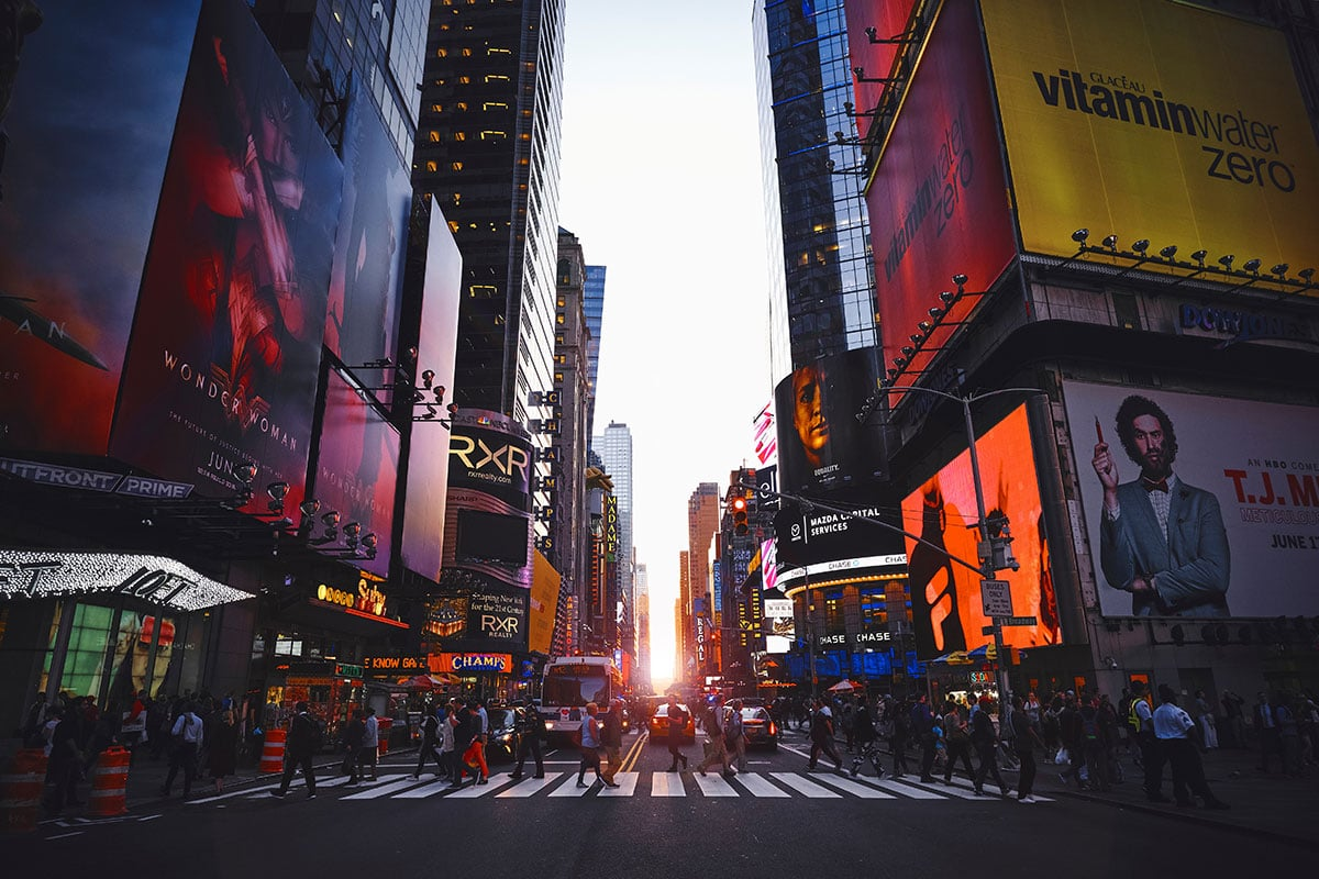 cose da fare a New York in maggio - Manhattanhenge
